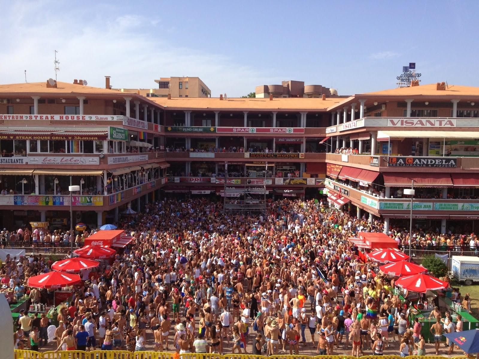 Yumbo-shopping-centre-Gran-Canaria-pride-week
